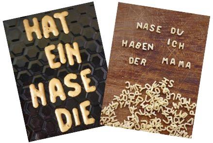 Bild Wörter aus Buchstabenkeksen oder Buchstabennudeln