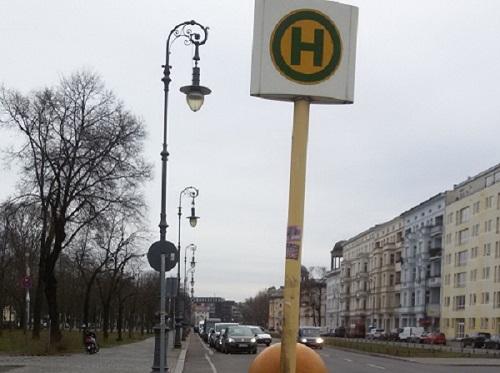 Bild Wörter lautieren an der Bus-Haltestelle